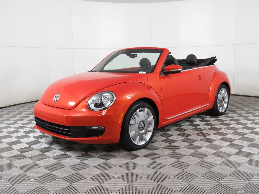 Pre-Owned 2016 Volkswagen Beetle Convertible 1.8T SEL PZEV 2dr Automatic